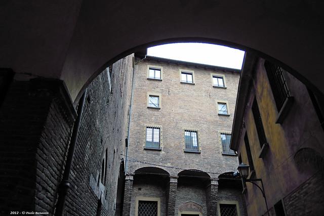 Bologna Torre Uguzzoni Vicolo, Nikon COOLPIX S640