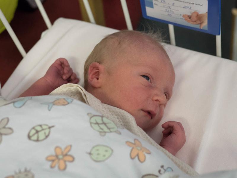 vauva 1 päivän