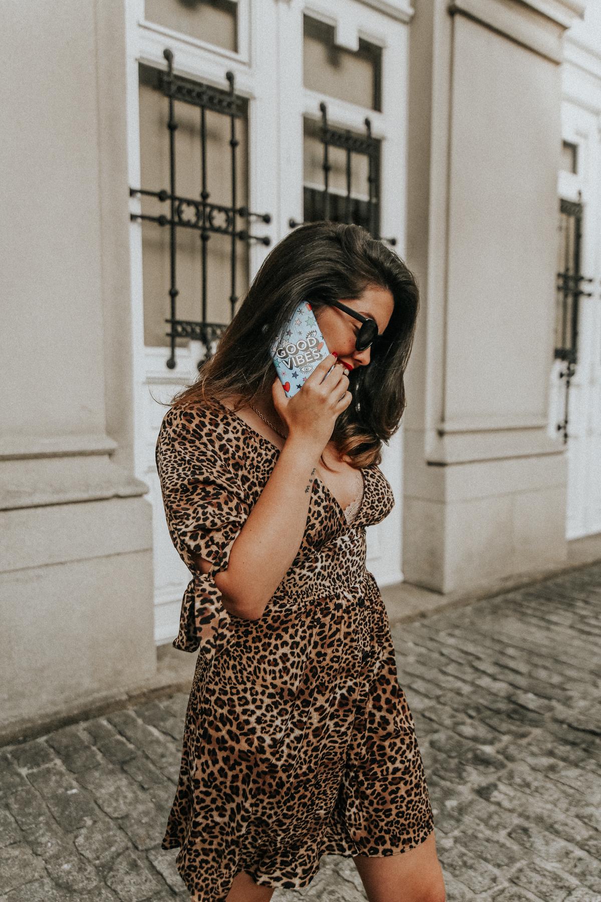 vestido-de-leopardo-loavies-como-combinar