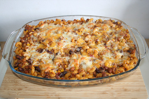 37 - Taco pasta casserole - Finished baking / Taco-Nudelauflauf - Fertig gebacken