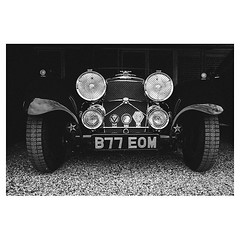 The Jaguar SS 100 . #leicaQ #leica #leicacamera #leicaqtyp116 #leicacraft #leica_photos #leica_uk #leica_world #leicaphotography #twitter #geoffroyschied #blackandwhiteisworththefight #blackandwhite #monochrome #bw #noiretblanc #bnw #weshootmirrorless #ja