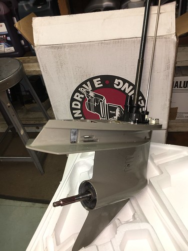 Brand New with Box Ready to install SE 304 Replaces Johnson / Evinrude Early Model V4 This SE304 Gear Case replaces most early style Johnson/Evinrude V-4 Lower Units from 1978-1998 with a 4-1/8 bullet diameter. The case has internal Water Screens and a po