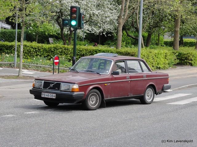 1983' Volvo 240, Sony DSC-HX5V