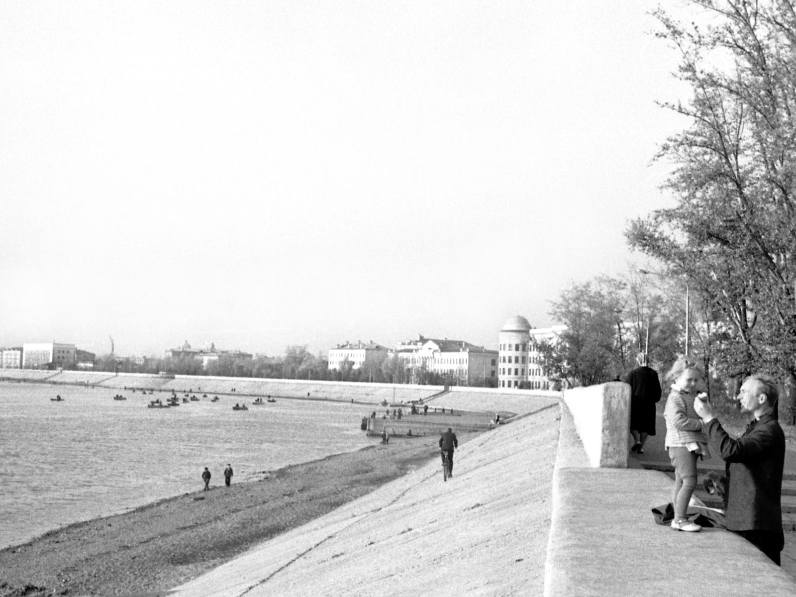 1966. Набережная бульвара Гагарина. Сентябрь