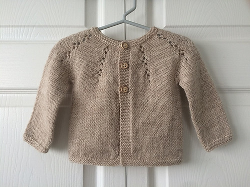 Another gorgeous knit by Lise. The pattern is Fairy Dust by Dani Sunshine.