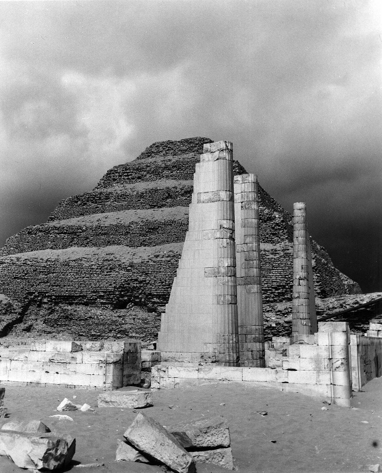 Саккара. Ступенчатая пирамида Джосера..