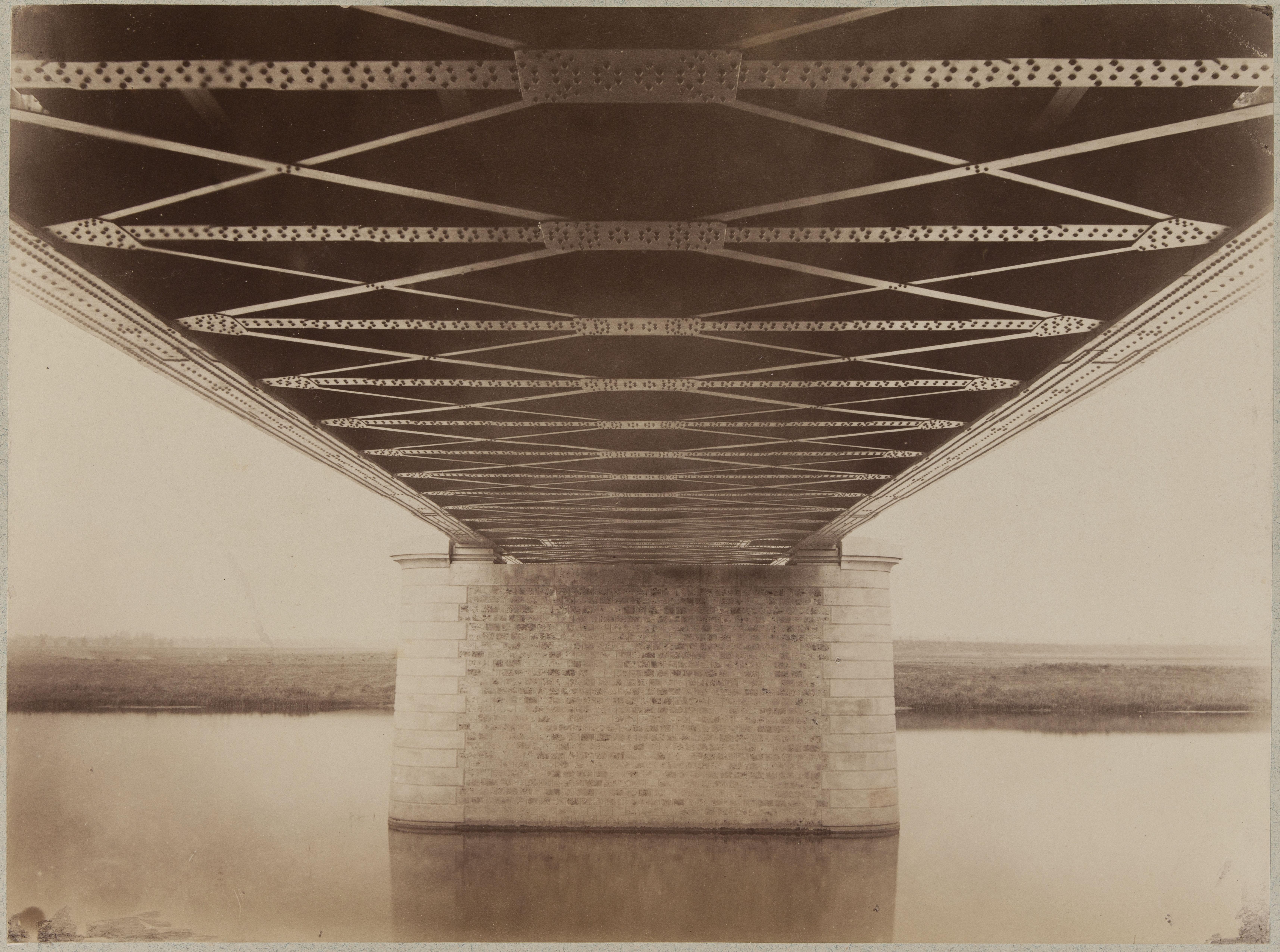 Мост в Шуази-ле-Руе. Вид снизу
