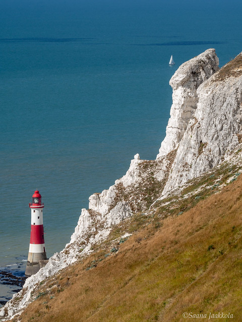 Sights and natural attractions of Southern England: Beachy Head Lighthouse