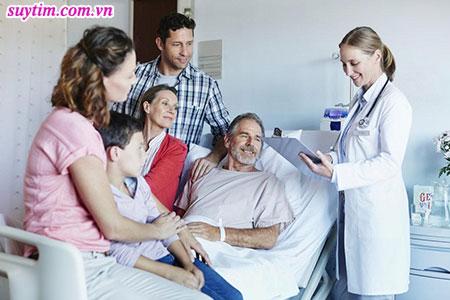 Người thân và gia đình là chỗ dựa vững chắc giúp người bệnh suy tim vượt qua gánh nặng bệnh tật