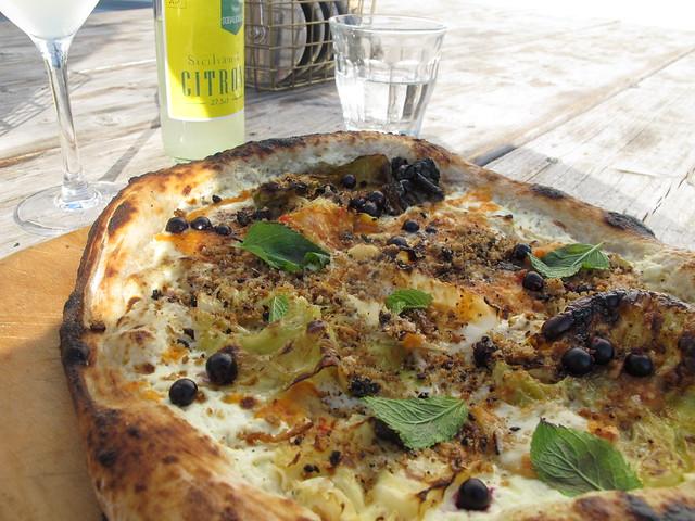 thursday, pizza, holy berry, for dinner at mastio, ön, limhamn, malmö