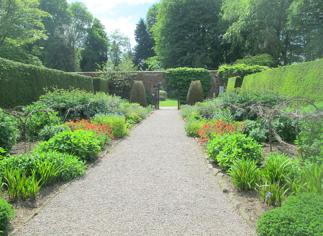 Path in walled Garden