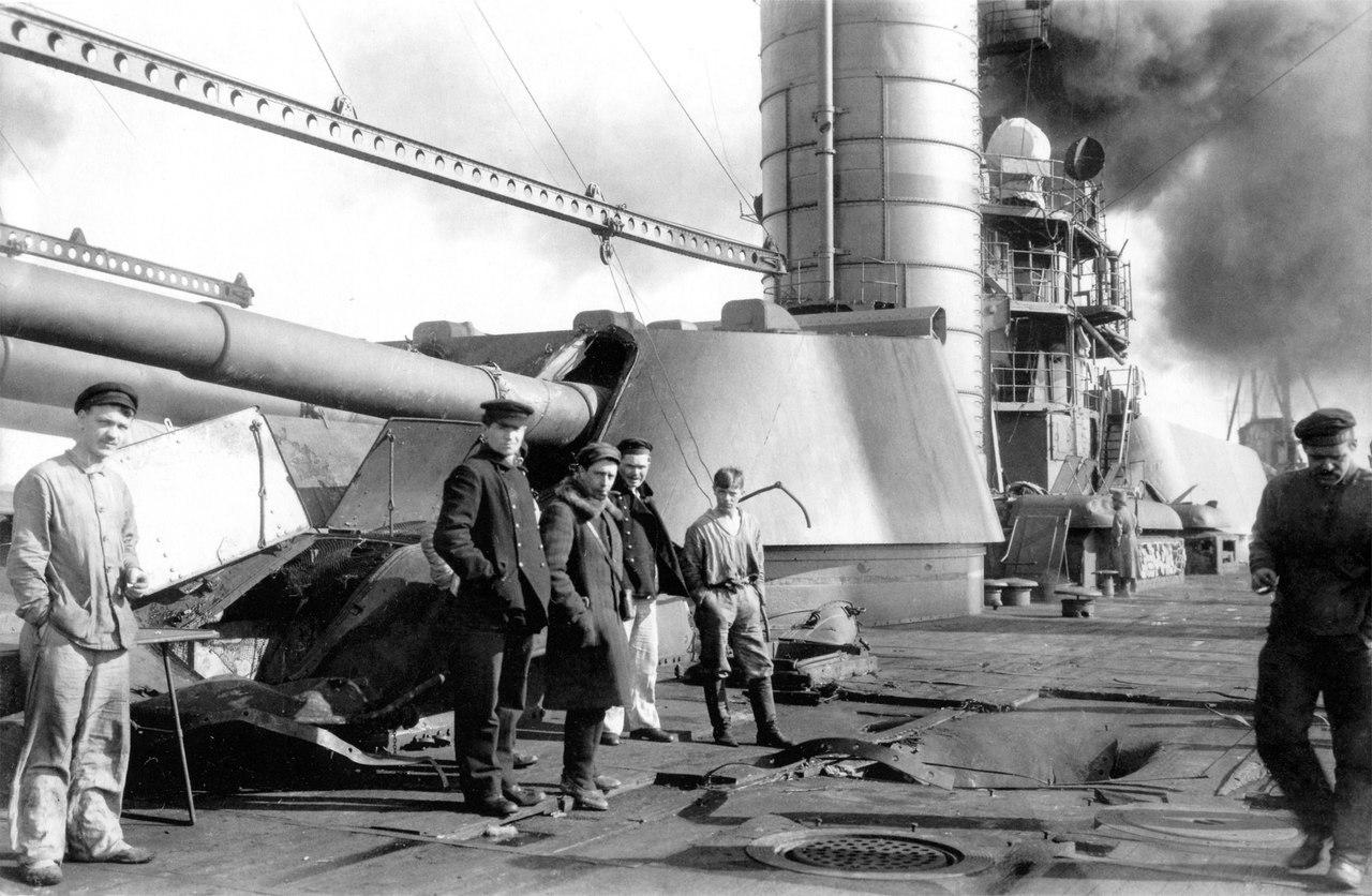 1921. Линейный корабль Петропавловск после подавления Кронштадского мятежа