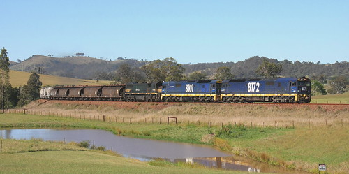 () PACIFIC NATIONAL #6422 SUGAR & CEMENT AT WIRRAGULLA ON NSW NORTH COAST LINE.