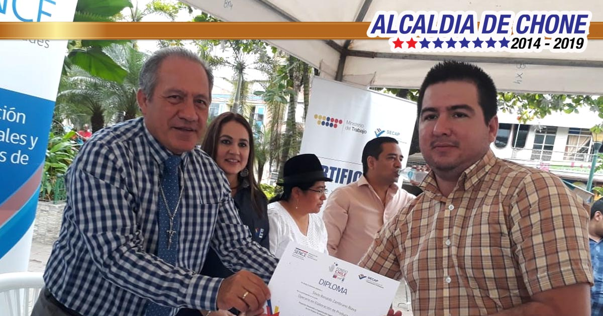 Emprendedores chonenses, reciben certificación internacional