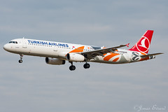 Turkisch Airlines europa league / A321 / TC-JRO
