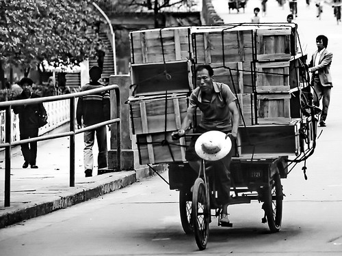 world travel reise viajes asia eastasia easternasia china guangzhou guangdong canton people peopleoftheworld bicycle transport traffic tricycle carrier städte stadtlandschaft street streetlife streetart city ciudades cityscape cityview urban urbanlife urbanview outdoor