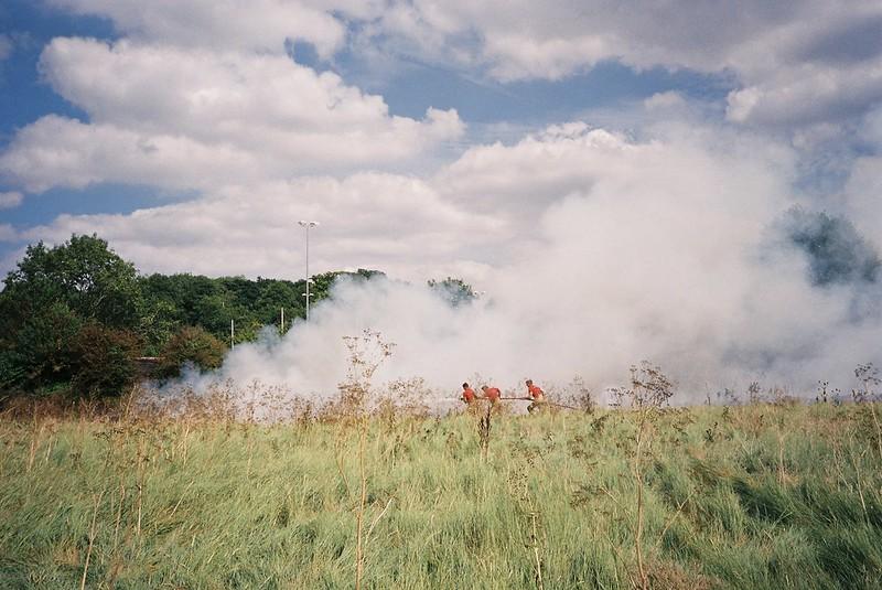 Battling a grass fire, Sea Mills