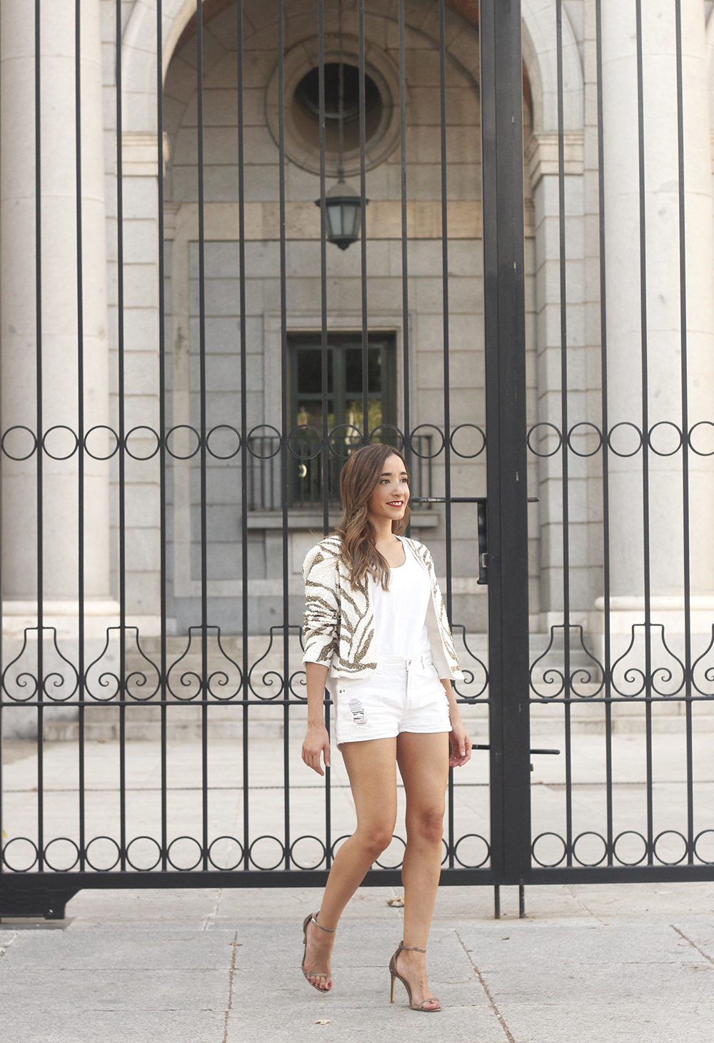 white sequin jacket white denim shorts sandals summer outfit street style 201802