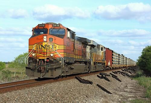 bnsf burlington northern santa fe railway railroad texas sealy tx usa united states america train treno bahn freight cargo ge general electric c449w gec449w dash9