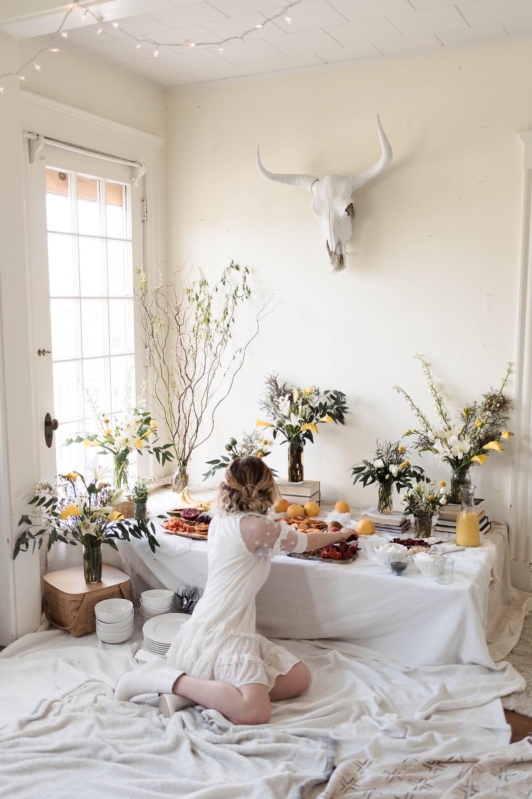 How to host a chic brunch on http://juliettelaura.blogspot.com/