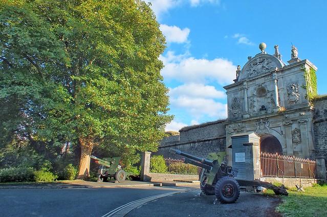 Plymouth Citadel gates, Fujifilm FinePix HS20EXR