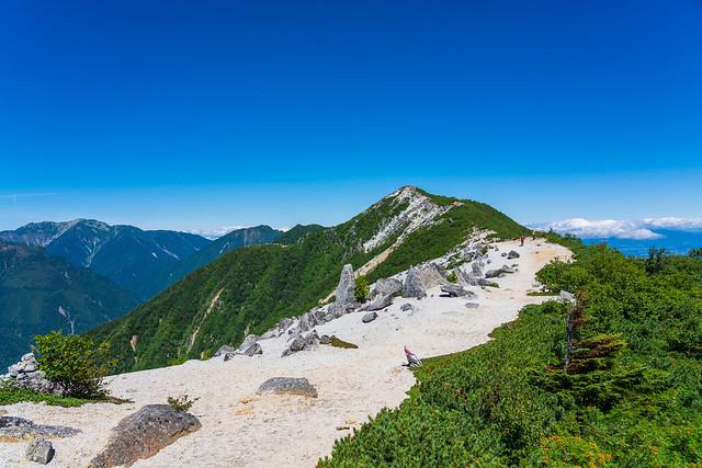 観音岳への稜線