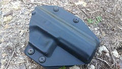 Alien Gear Cloak Mod OWB Holster on Ground