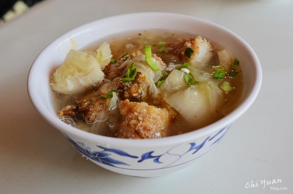 [台北]迪化街永樂台南土魠魚羹。昨日老麵店漲為觀光高價