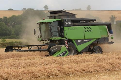 Deutz Fahr 6090 HTS Balance Combine Harvester cutting Winter Barley