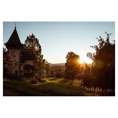 Lucerne 2018 . #leicaQ #leica #leicacamera #leicaqtyp116 #leicacraft #leica_photos #leica_uk #leica_world #leicaphotography #leica_club #twitter #geoffroyschied #35mmofmusic #city #cityscape #luzern #switzerland @ilove_lucerne @lucernefestival #sunset