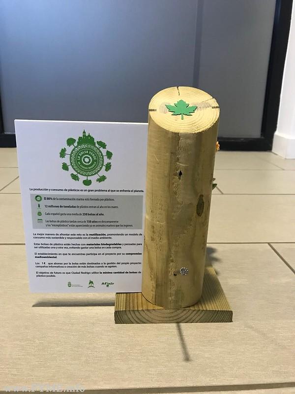 """AFECIR y el Ayuntamiento distribuirán 3.000 """"bolsas verdes"""" para promover el consumo sostenible en Ciudad Rodrigo"""