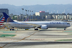 N38955 Boeing 787-9 UAL LAX