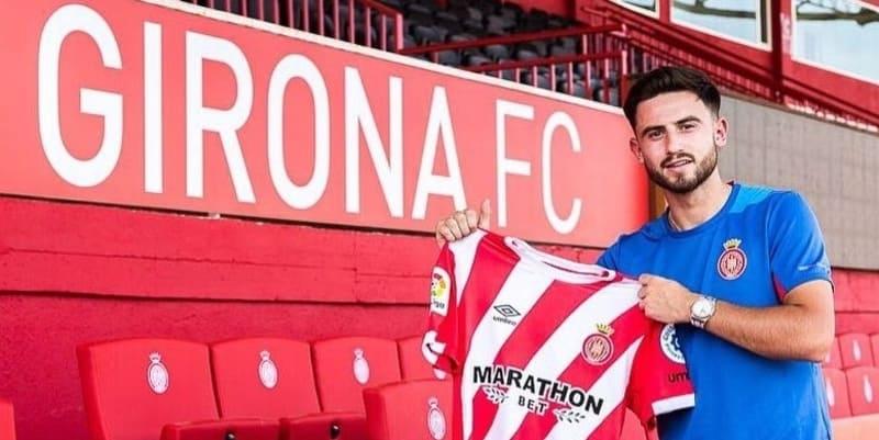 Roberts bergabung dengan Girona dari Man City