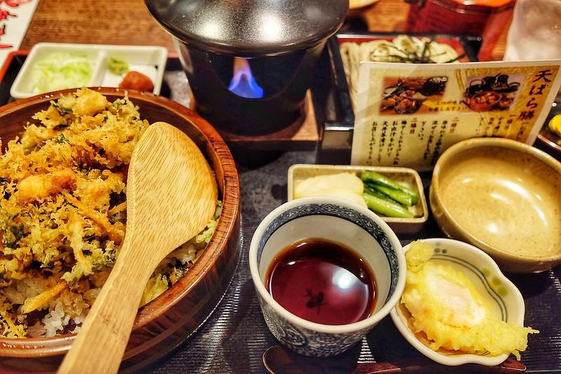 十日町市・小嶋屋総本店の「季節の天ばら膳」で大満足ランチ