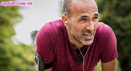 Khi suy tim độ 3, người bệnh sẽ biểu hiện triệu chứng ngay cả khi làm những việc bình thường