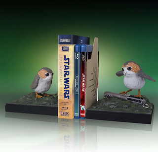 Gentle Giant Star Wars: The Last Jedi Porg Bookend Set