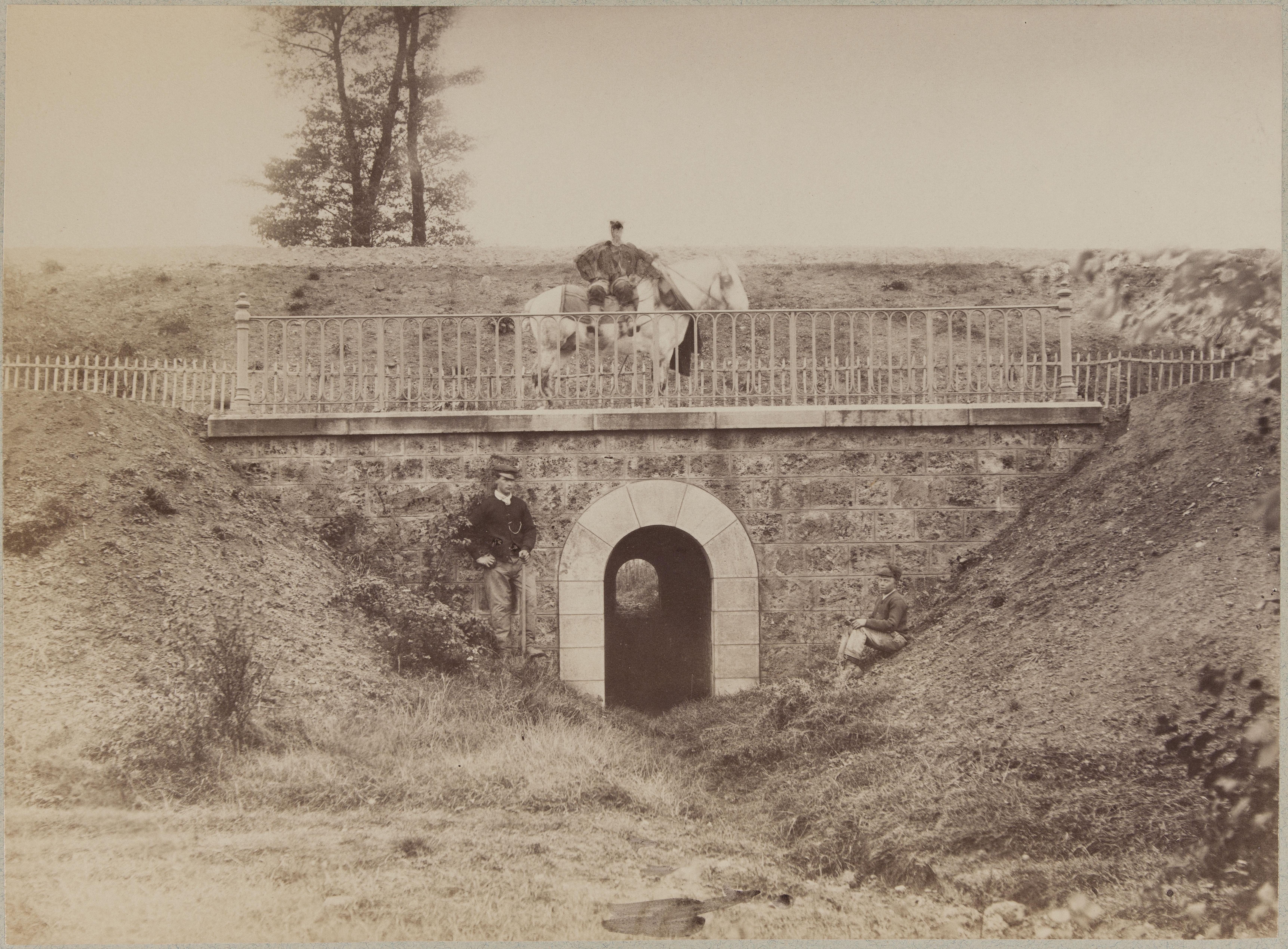 Водоводный мост возле Морвилье