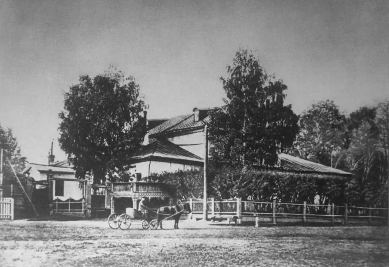 Дом, в котором родился П. И. Чайковский