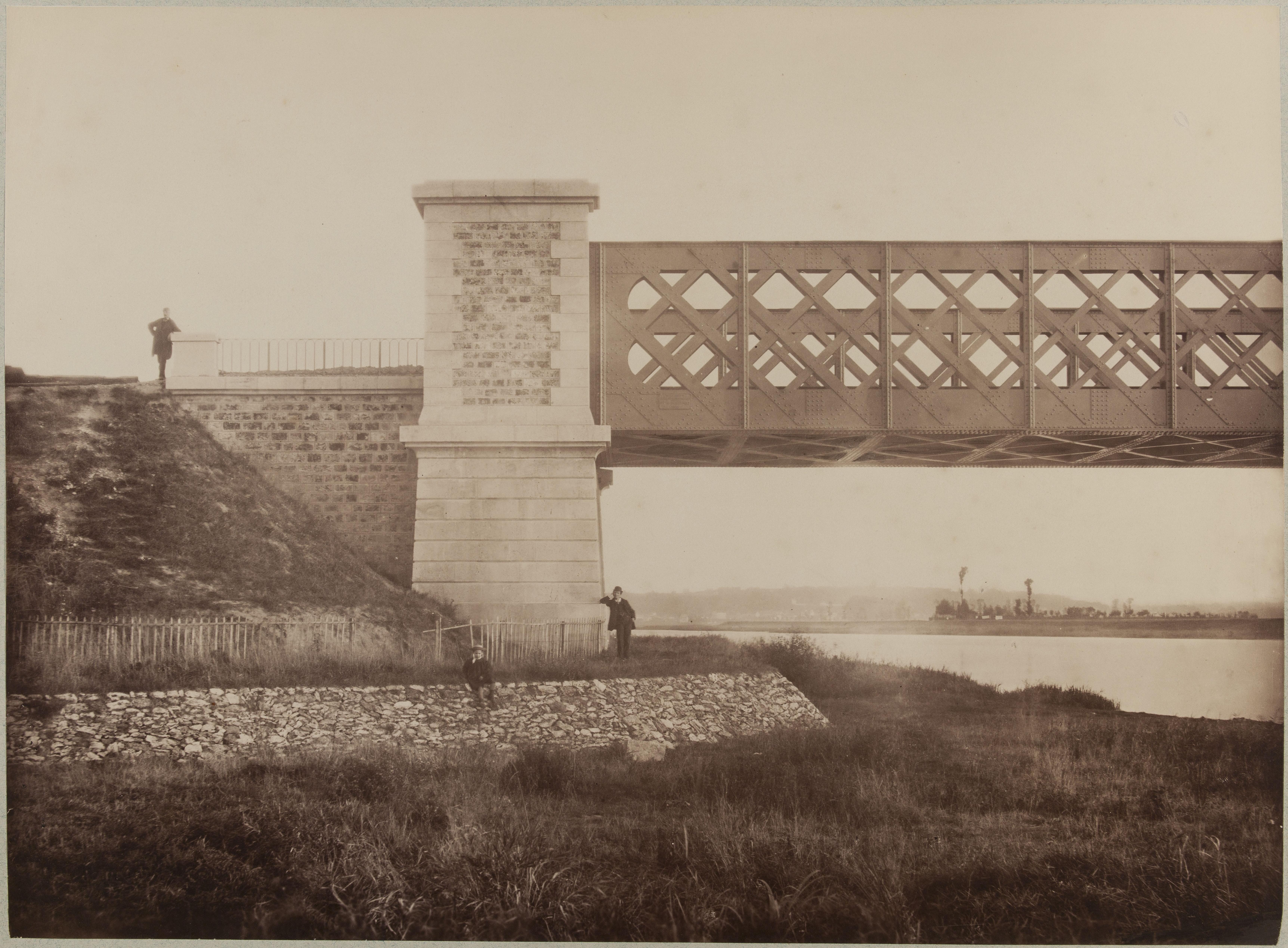 Мост в Шуази-ле-Руе. Пилястр