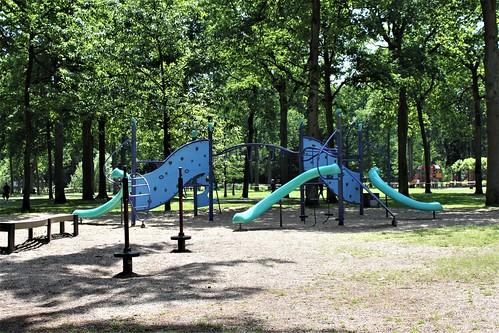 climbing in Bokrijk's Playground