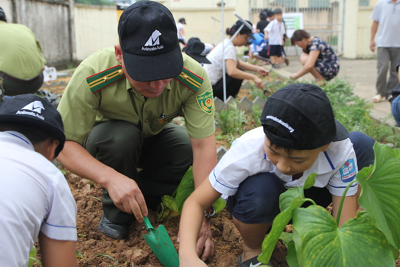 FPD and pupils plant together 2