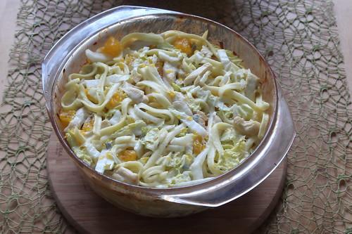 Geflügelspätzleauflauf mit Chinakohl und Mandarinchen (Auflaufform)