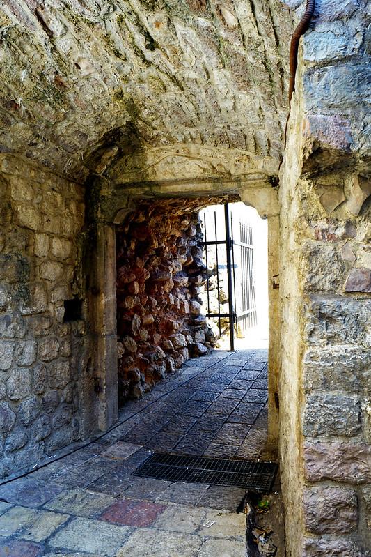 Старые городские ворота в западной стене