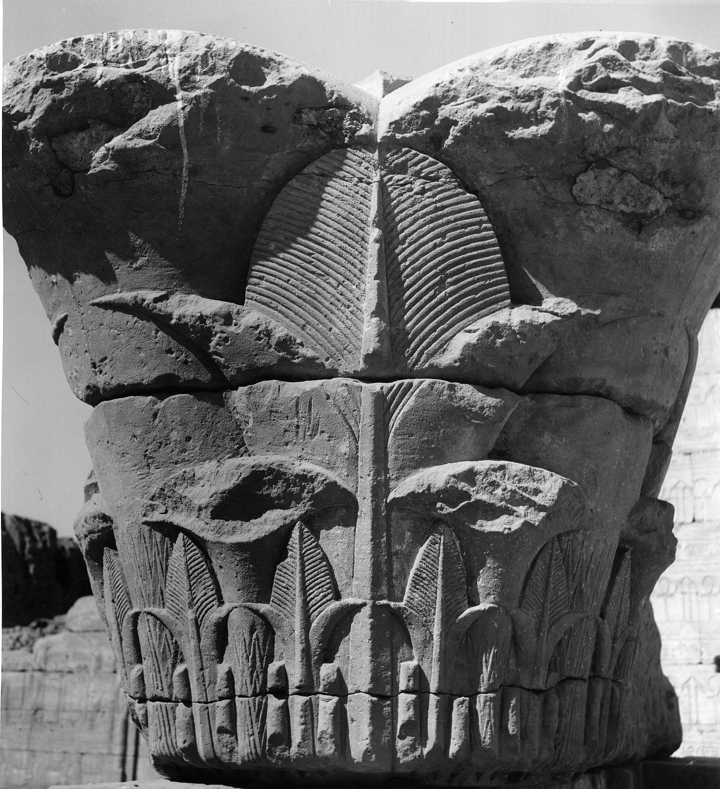 Эдфу. Храм Хоруса. Капитель храма