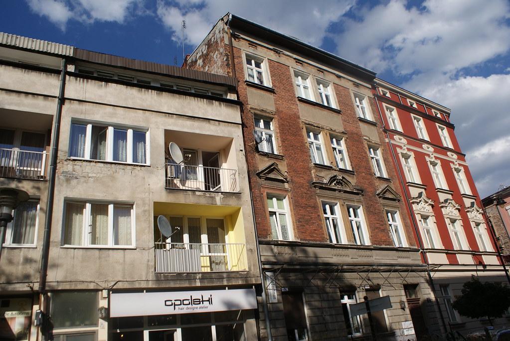 Ancien rénové ou non rénové ou non ancien dans la quartier de Piasek à Cracovie.