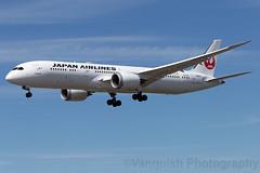 JA869J JAL Japan Airlines B787-9 Dreamliner Helsinki Vantaa
