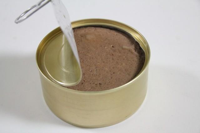 夏バテ対策の缶詰の食事