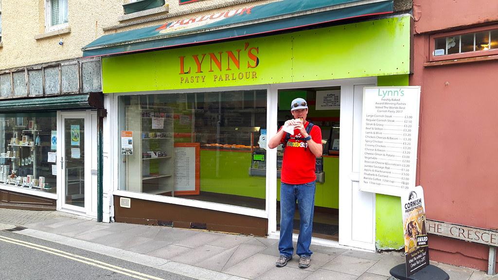 Lynn's Cornish Pasty Parlour, Newquay Cornwall