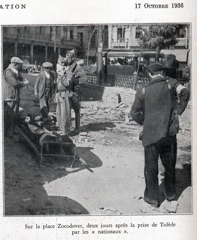 Recogida de cadáveres en Zocodover a finales de septiembre de 1936. Fotografía de Léon de Poncins publicada en L´Illustration el 17 de octubre de 1936