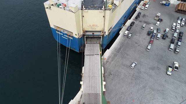 Dream Jasmine desembarcó más de 2 mil vehículos en el Puerto de Iquique